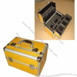 Aluminum Cosmetic Case with Metal Corners and Four Removable Trays Inside