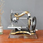 American Retro Creative Sewing Machine Model