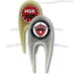 Divot tool in a sleek and smooth design with ball marker.