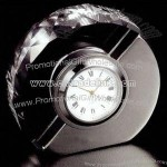 Oval crystal and metal clock