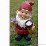 Polyresin Hand Painted Gnome Solar Garden Light