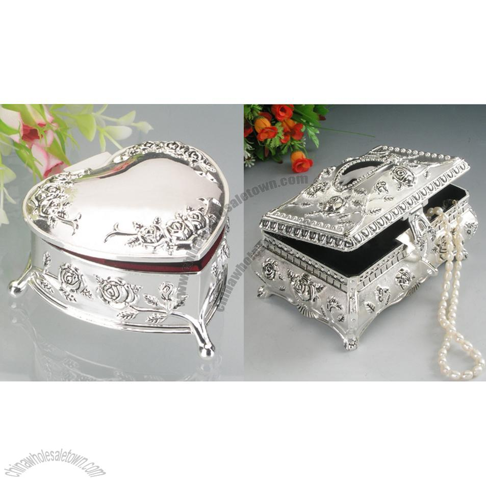 Heart shaped silver jewelry box for Heart shaped engagement ring box