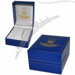 Watch box, made of specialty paper, matte lamination, foil stamping, filled with fabric fiber