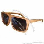 Wayfarer sunglasses, classical design, environment-protection, made of natural wood